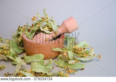 Linden Flowers. Dried Linden Flowers. Folk Medetsyna. Linden Tea