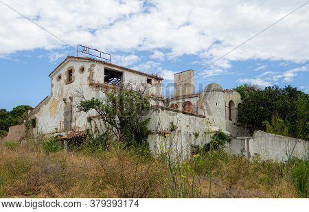 Old Abandoned Paladium Discotheque Club In Platja Daro In Spain