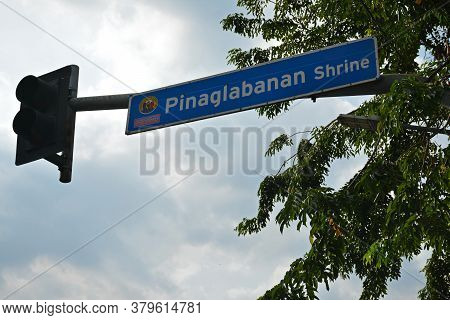 San Juan, Ph - Nov 17 - Pinaglabanan Shrine Street Sign At Traffic Light On November 17, 2018 In San