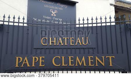 Bordeaux , Aquitaine / France - 07 30 2020 : Château Pape Clément Text And Sign On Entrance To Wine