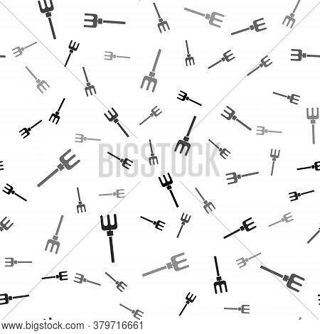 Black Garden Rake Icon Isolated Seamless Pattern On White Background. Tool For Horticulture, Agricul