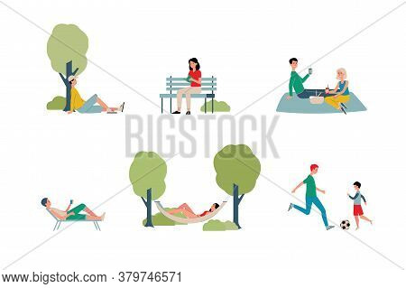 Activity Of People In A City Park On Weekends - Vector Flat Illustration