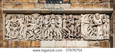 Lincoln Cathedral facade decoration