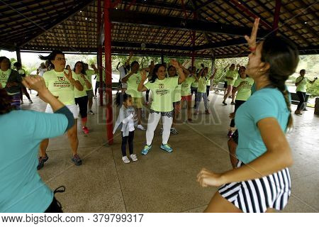 Salvador, Bahia / Brazil - October 4, 2014: People Are Seen Doing Aerobics During Gym Activity At Pi