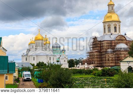 View Of Holy Trinity-saint Seraphim-diveyevo Convent In Diveyevo, Russia