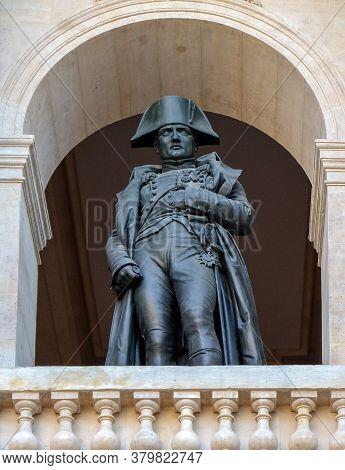Paris, France - November 2017: Crypt Tomb Of Napoleon, Dome Des Invalides Or Eglise Du Dome Church,