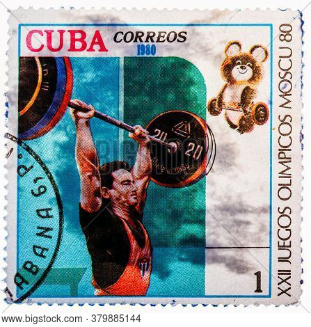 Cuba - Circa 1980: A Stamp Printed In Cuba, Devoted To Olympic Games In Moscow 1980 , Weightlifting