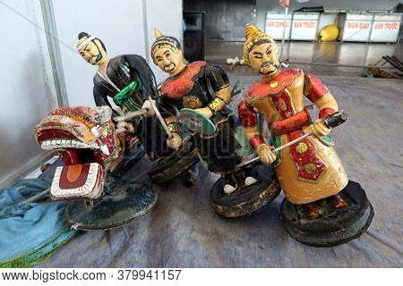 Hoi An, Vietnam, February 24, 2020: Hand-made Puppets With Fig Tree Wood And Bamboo From The Hoi An