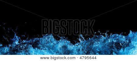 Wasser-Schaum in schwarz