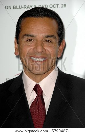 Antonio Villaraigosa  at the 5th Annual Runway For Life Gala Benefitting St. Jude Childrens Hostpital. Beverly Hilton Hotel, Beverly Hills, CA. 10-11-08