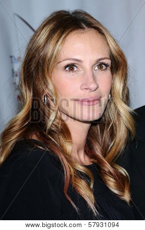 Julia Roberts  at a Staged Reading of 'The World of Nick Adams' to benefit Painted Turtle Childrens Camp. Davies Symphony Hall, San Francisco, CA. 10-27-08