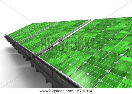 Detalle de una línea de verde de paneles solares