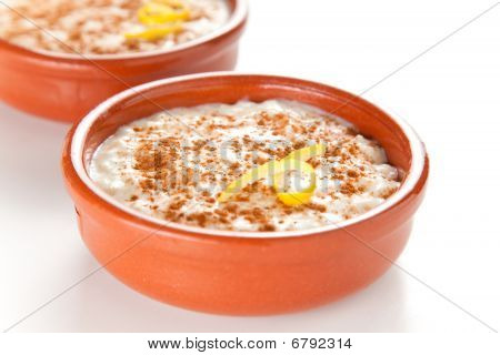 Tasty Cinnamon Rice Pudding Dessert