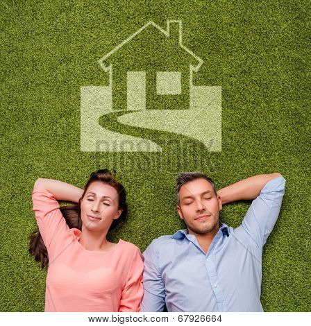 dreaming new real estate couple