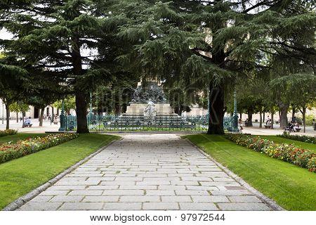 Segovia El Alcazar Garden