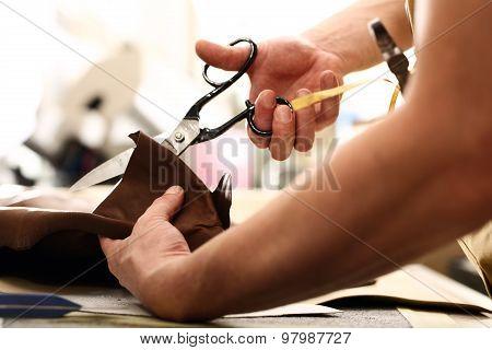 Hands notch tailor tailor's scissors cloth
