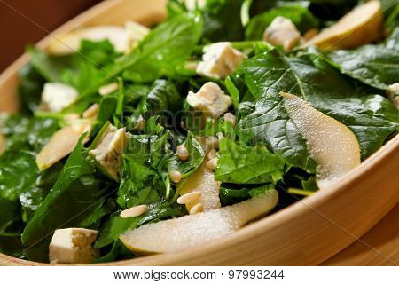 Fresh Spinach Salad With Blue Cheese, Pears And Honey