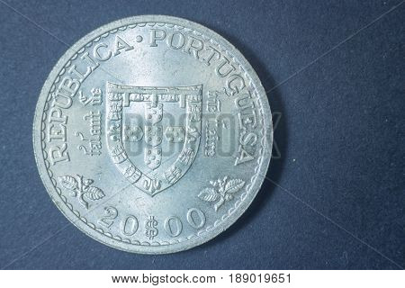 Twenty Escudos Portuguese 1960 Tail Coin, Vintage Antique Old, Difficult And Rare To Find.