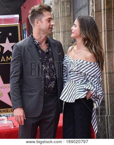 LOS ANGELES - MAY 30:  Scott Speedman and Keri Russell arrives for the Walk of Fame honoring Keri Russell on May 30, 2017 in Hollywood, CA