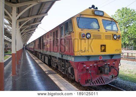 Ge  Diesel Locomotive No.4547 Train No.52 From Chiangmai To Bangkok.