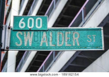 Rusty Street sign Alder Street in Portland - PORTLAND - OREGON