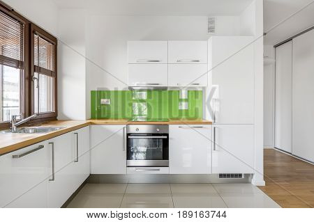 High Gloss, White Kitchen