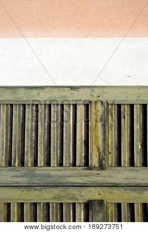 Window  Varese Palaces     Wood Venetian Blind    Concrete