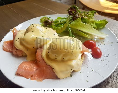 Smoked Salmon Eggs Benedict with Hollandaise Sauce
