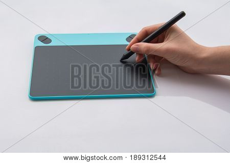 Modern Inexpensive Graphics Tablet