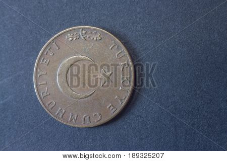 Ten Kurus Turkey 1962 Head Coin, Vintage Old, Difficult And Rare To Find.