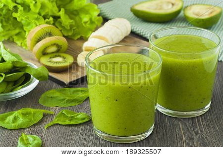 Detox drink. Green smoothie with spinach,banana, kiwi