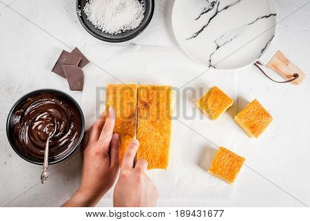 Cooking Australian Dessert Lamington