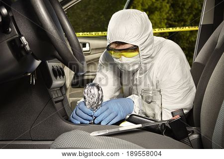 Crime scene investigation - collecting of odor traces from gear shift