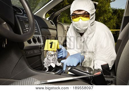Crime scene investigation - collecting of odor tracesfrom gear shift