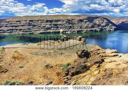Overlook Wanapum Lake Colombia River Wild Horses Monument High Desert Vantage Washington