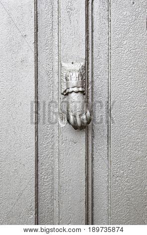 Caller Silver At The Door