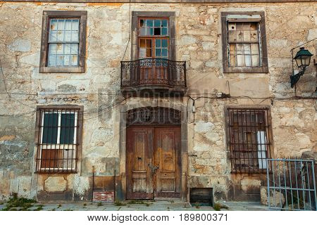 Abandoned house frontage in old Porto downtown, Portugal.