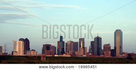 A section of buildings in the Dallas Texas Skyline at dusk.