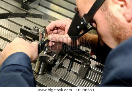 Check measurement of blank in attachment by digital hand caliper