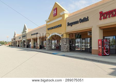 Birch Run, Michigan, Usa - October 9, 2018: Exterior Of The Birch Run Outlet Mall On The Outskirts O