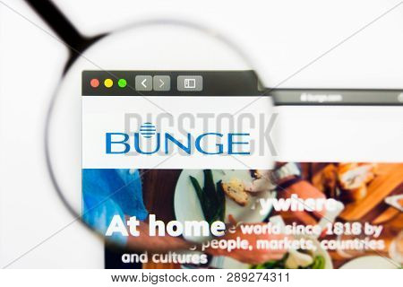 Los Angeles, California, Usa - 13 March 2019: Illustrative Editorial, Bunge Website Homepage. Bunge