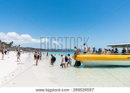 Hamilton Island, Australia - November 7, 2017: Tourists Coming Ashore On Beautiful Whitehaven Beach