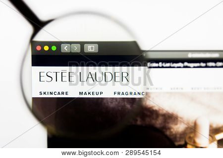 Los Angeles, California, Usa - 13 March 2019: Illustrative Editorial, The Estee Lauder Companies Web