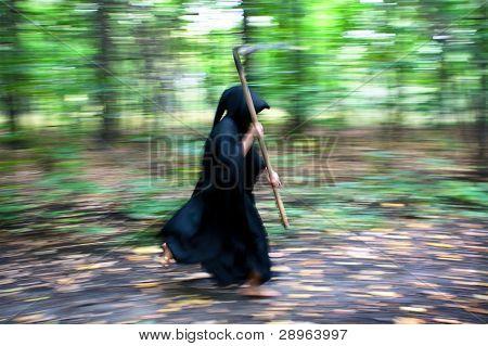 Death With Scythe Running