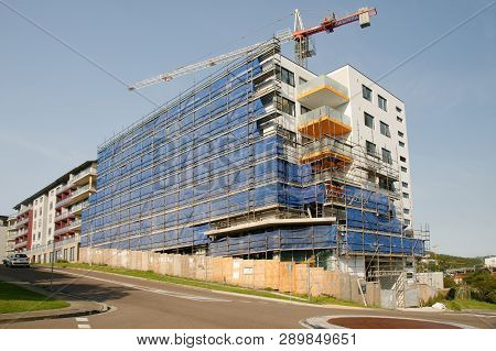 Gosford, New South Wales, Australia - March 5, 2019:  A Perspective View Of A Working Tower Crane On