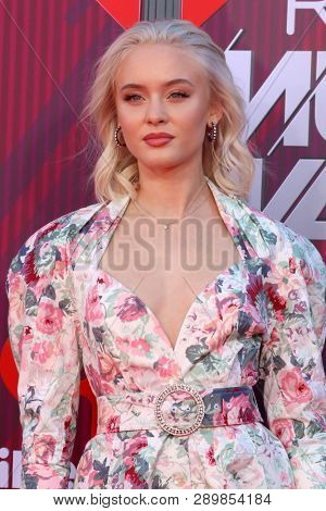 LOS ANGELES - MAR 14:  Zara Larsson at the iHeart Radio Music Awards - Arrivals at the Microsoft Theater on March 14, 2019 in Los Angeles, CA