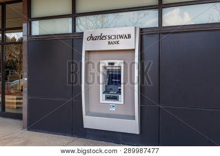 Indianapolis - Circa March 2019: Charles Schwab Consumer Atm Location. Charles Schwab Provides Broke