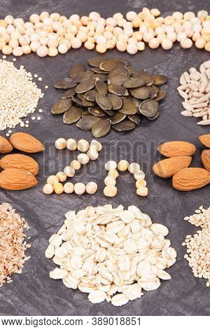Inscription Zn With Healthy Eating Containing Zinc, Vitamins, Minerals And Fiber