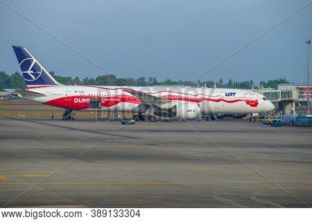 Colombo, Sri Lanka - February 24, 2020: Boeing 787-9 Dreamliner (sp-lsc) Lot - Polish Airlines Is Pr