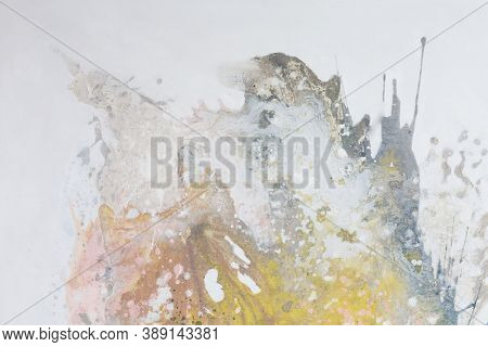 Usual Abstract Painting For Stylish Classic Design.